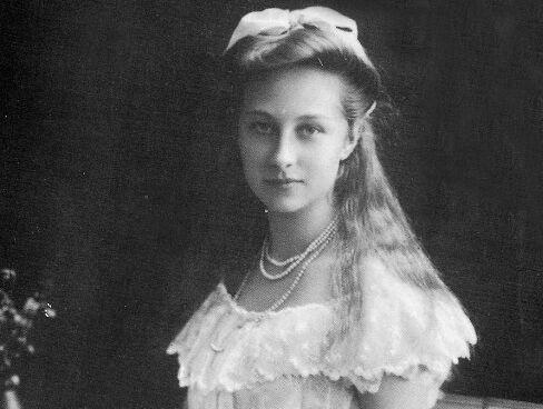 欧洲最美的亡国公主,与敌国王子一见钟情,结婚一年爆发世界大战