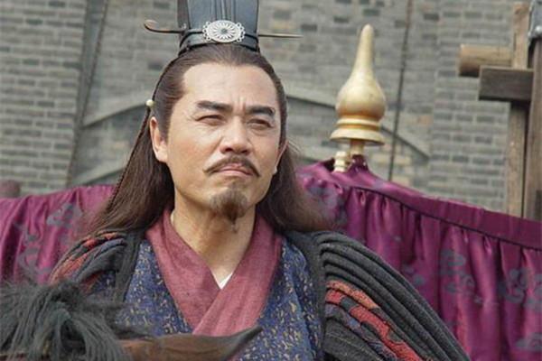 朱元璋微服私访,对着喂猪的女子微笑,马皇后得知后将她带进宫中